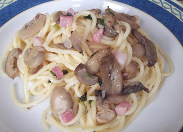 Come cucinare in modo dietetico la pasta con funghi e pancetta for Cucinare dietetico